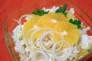 Салат с отварной рыбой и апельсинами