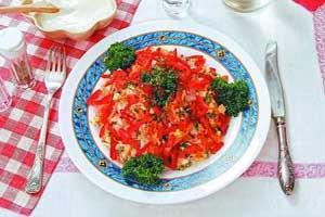 Салат из отварной рыбы с морковью