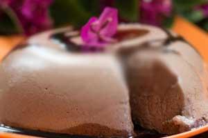 Десерт из взбитых яичных белков в микроволновке