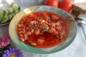 Борщ с килькой в томате и фасолью