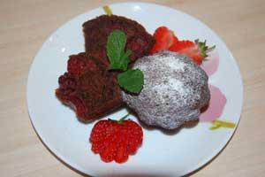 """Шоколадный кекс с вишней """"Ягодка"""""""