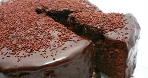 Вкусный шоколадно-бисквитный торт с кремом