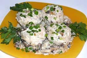 Куриные биточки в грибном соусе